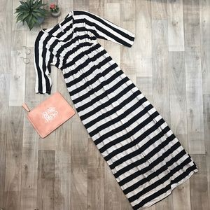 Mi Manchi maxi dress black white size medium